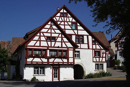Architecture rustique en suisse - Maison campagne suisse fovea architects ...