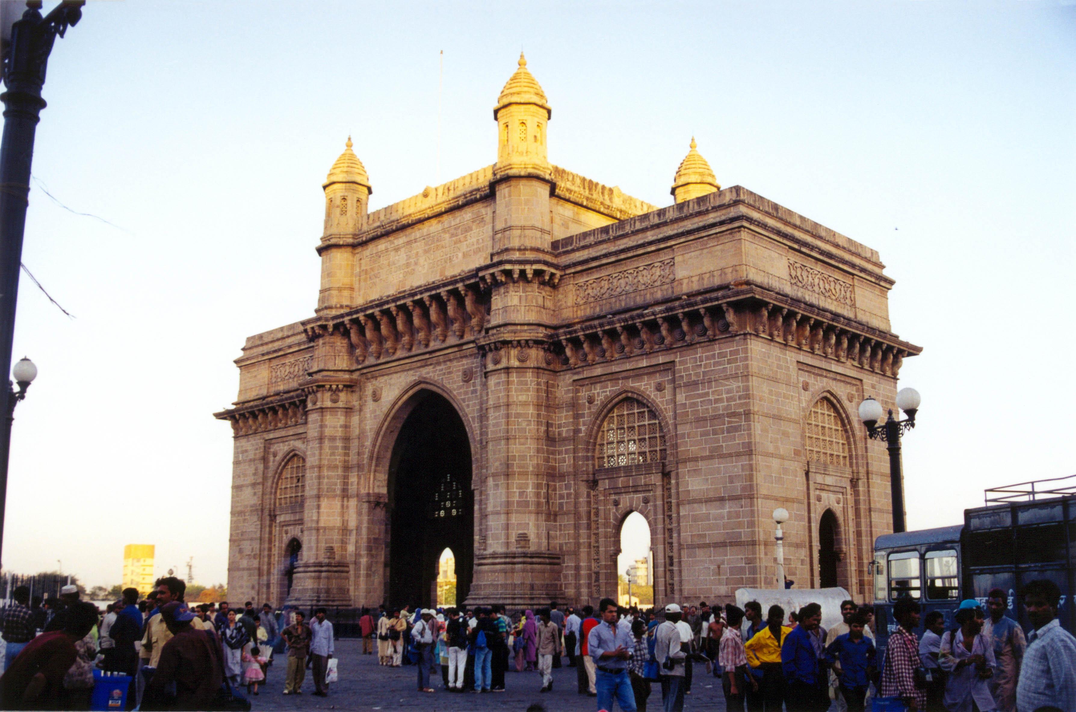 Porte de l 39 inde mumbai for La porte and associates