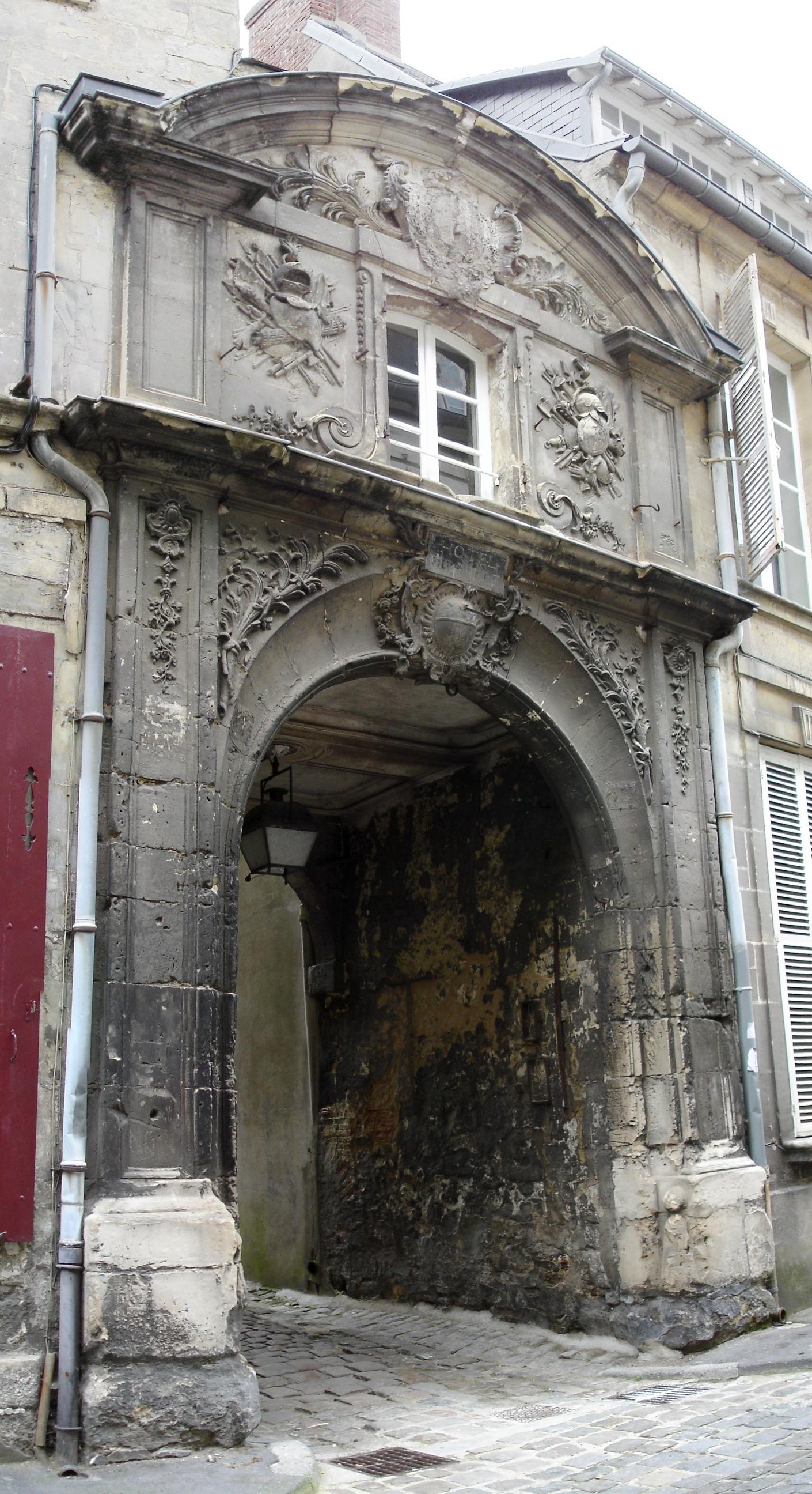 Liste des monuments historiques de laon for Porte 60 hotel dieu sherbrooke