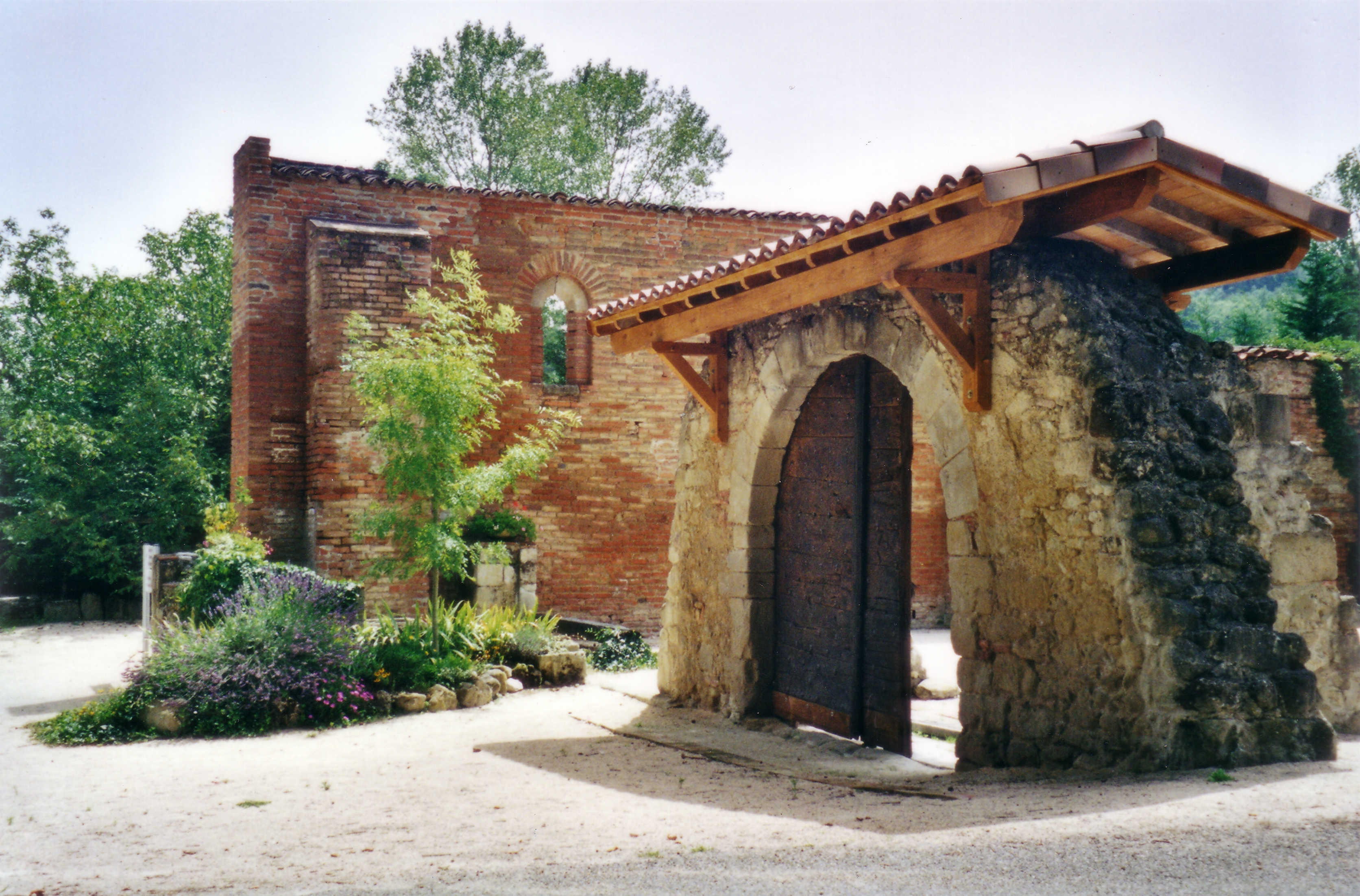 Bellerive sur save - Mise a la porte du couvent ...