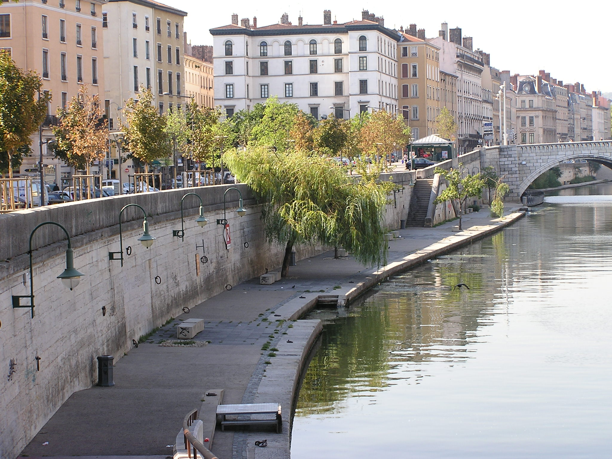 on the quai Tnl 58' on the quai : sat april 21 @ 1045am - splash - special outdoor tnl 58' rate: 10e cash only (bring your own yoga mat + water) or 15e with mat + water.