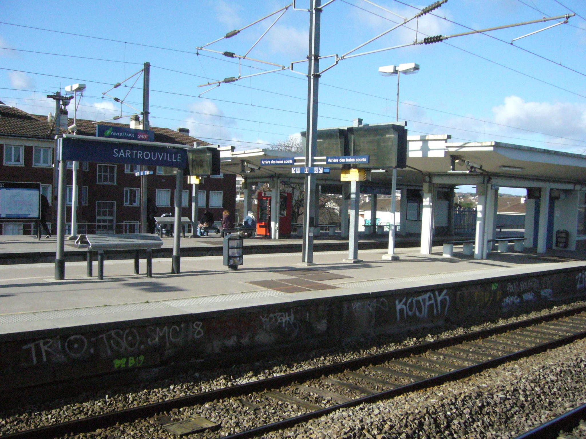 Gare de sartrouville for Piscine sartrouville