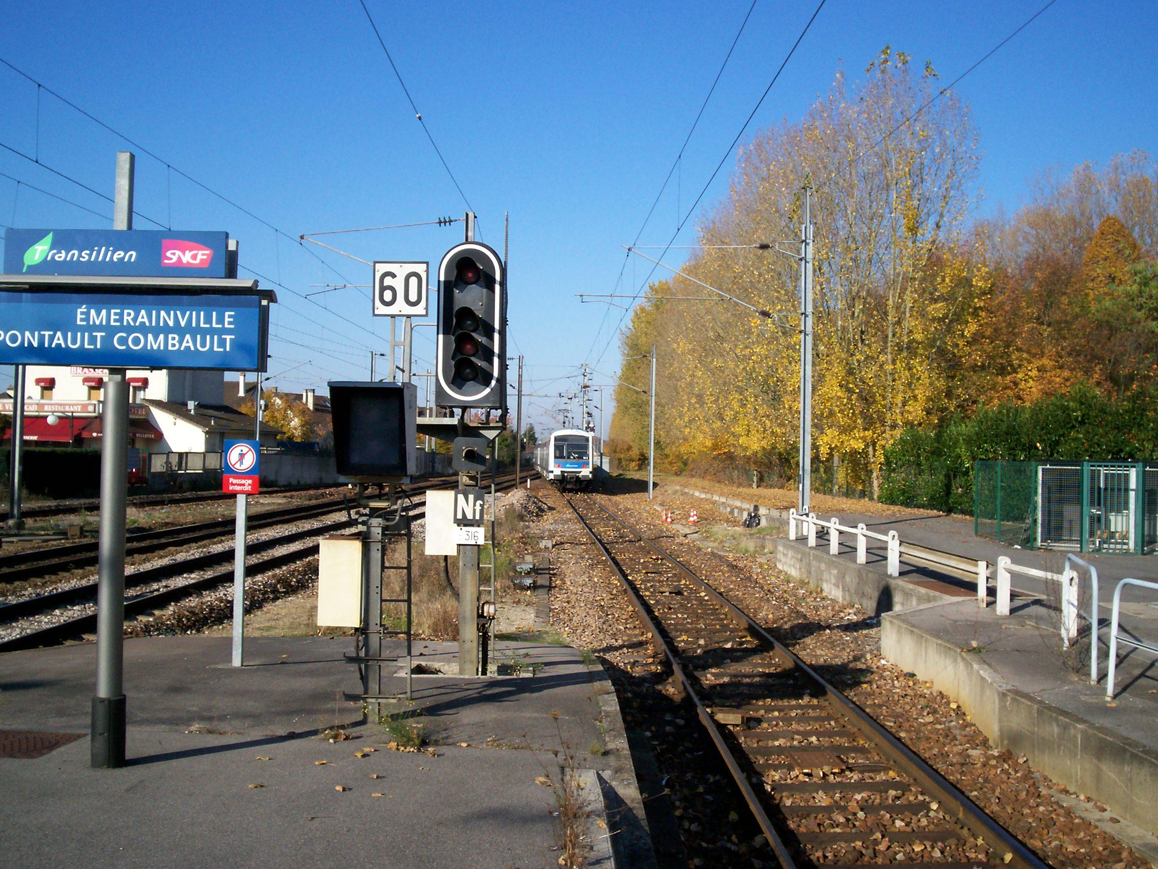 Gare d 39 merainville for Garage de la francilienne pontault combault