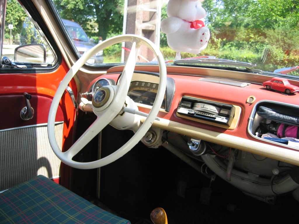 Renault dauphine for Interieur 4l
