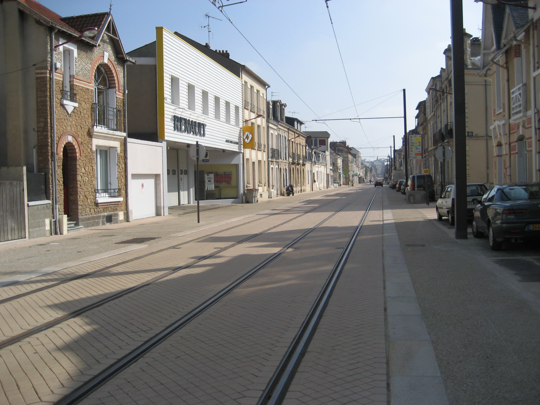Le tram-train se précise Rue_Gambetta_le_Mans_06.10.07