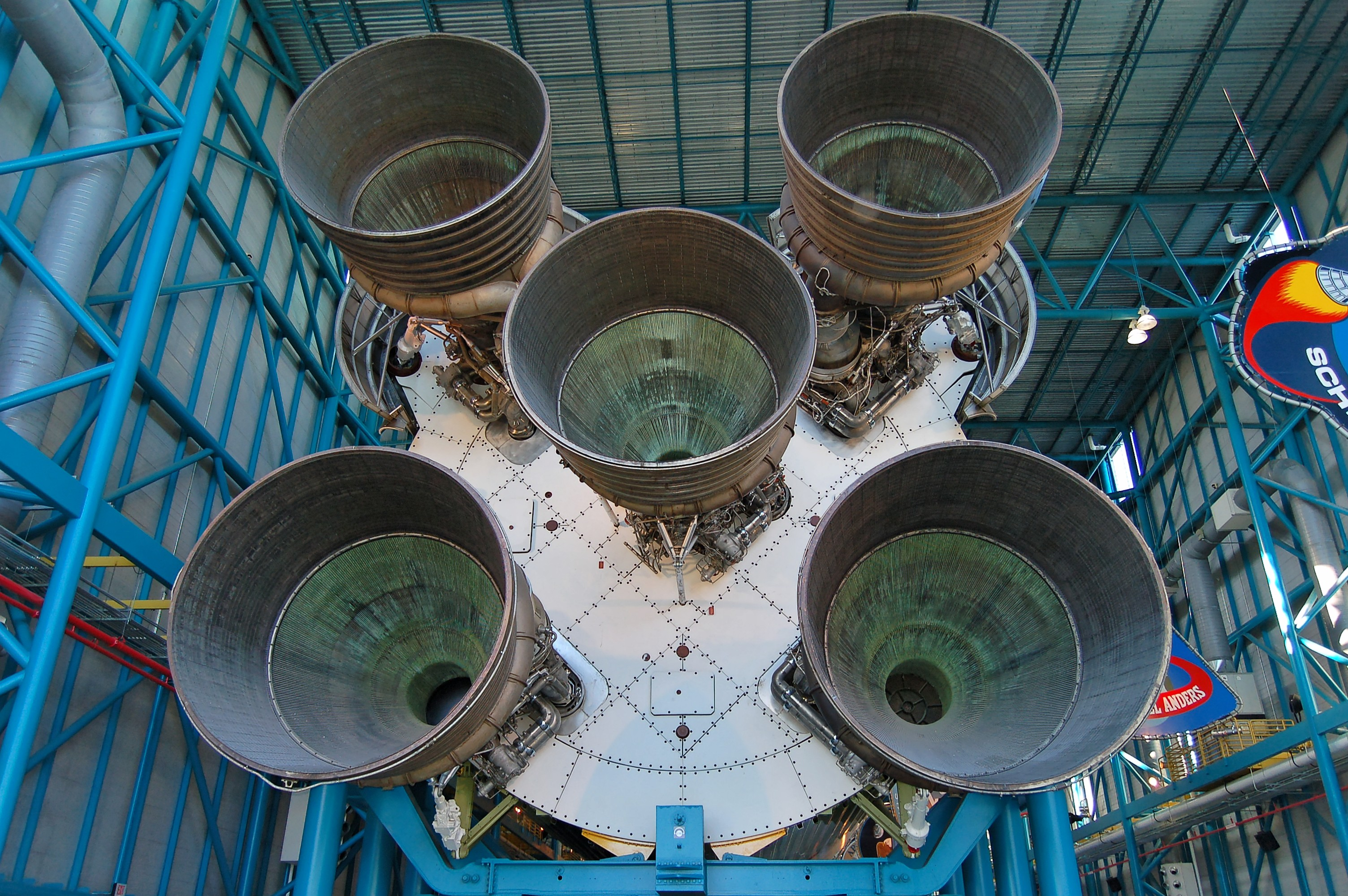 http://fr.academic.ru/pictures/frwiki/83/Saturn_V_Rocket_Booster.jpg
