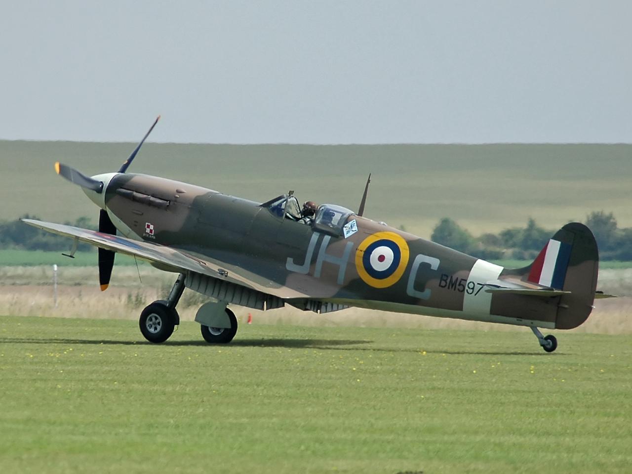 Avions de guerre, Le Spitfire [DVDRIP | FRENCH] [FS] [US]