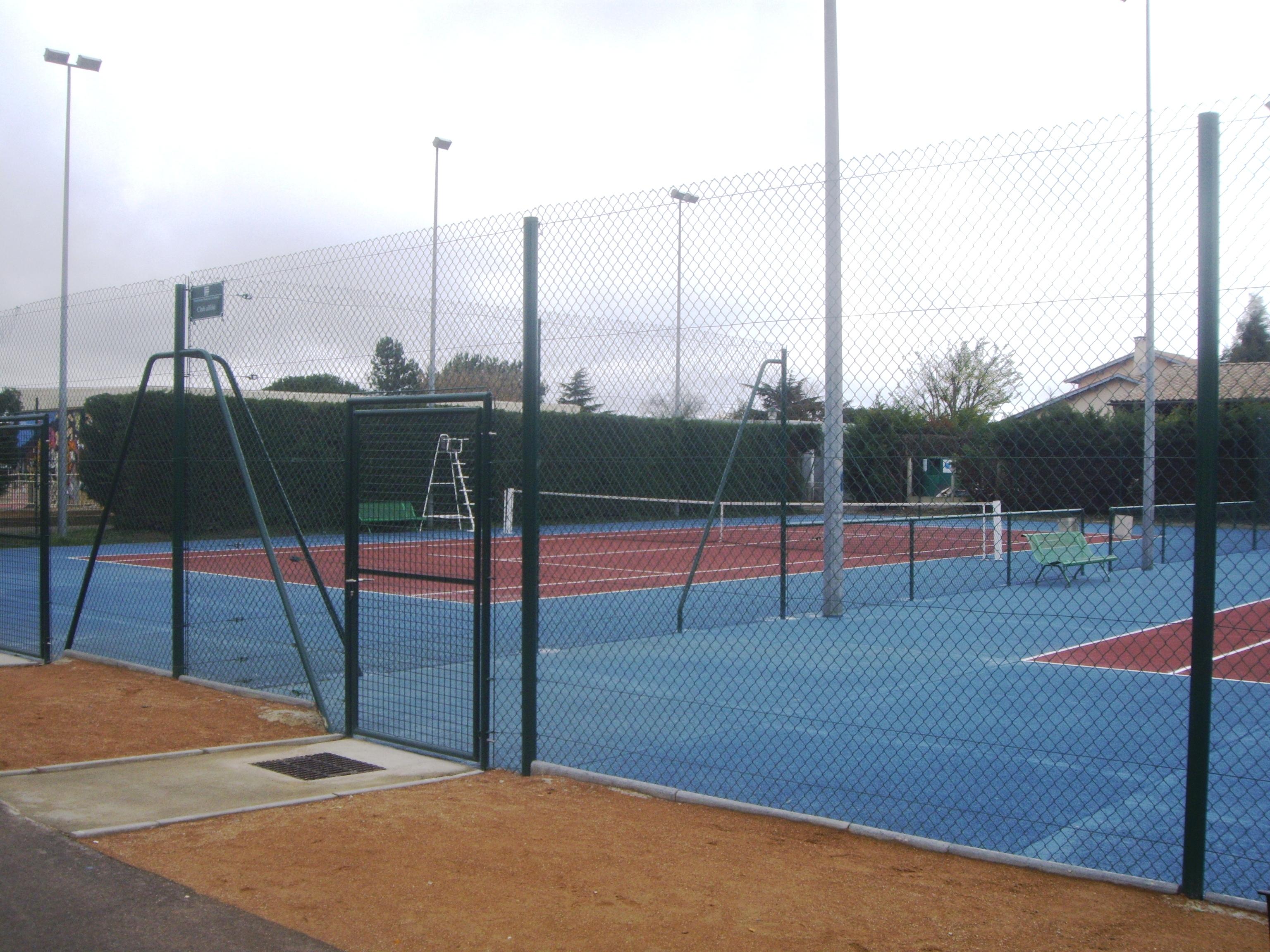Fonbeauzard for Terrain de tennis taille