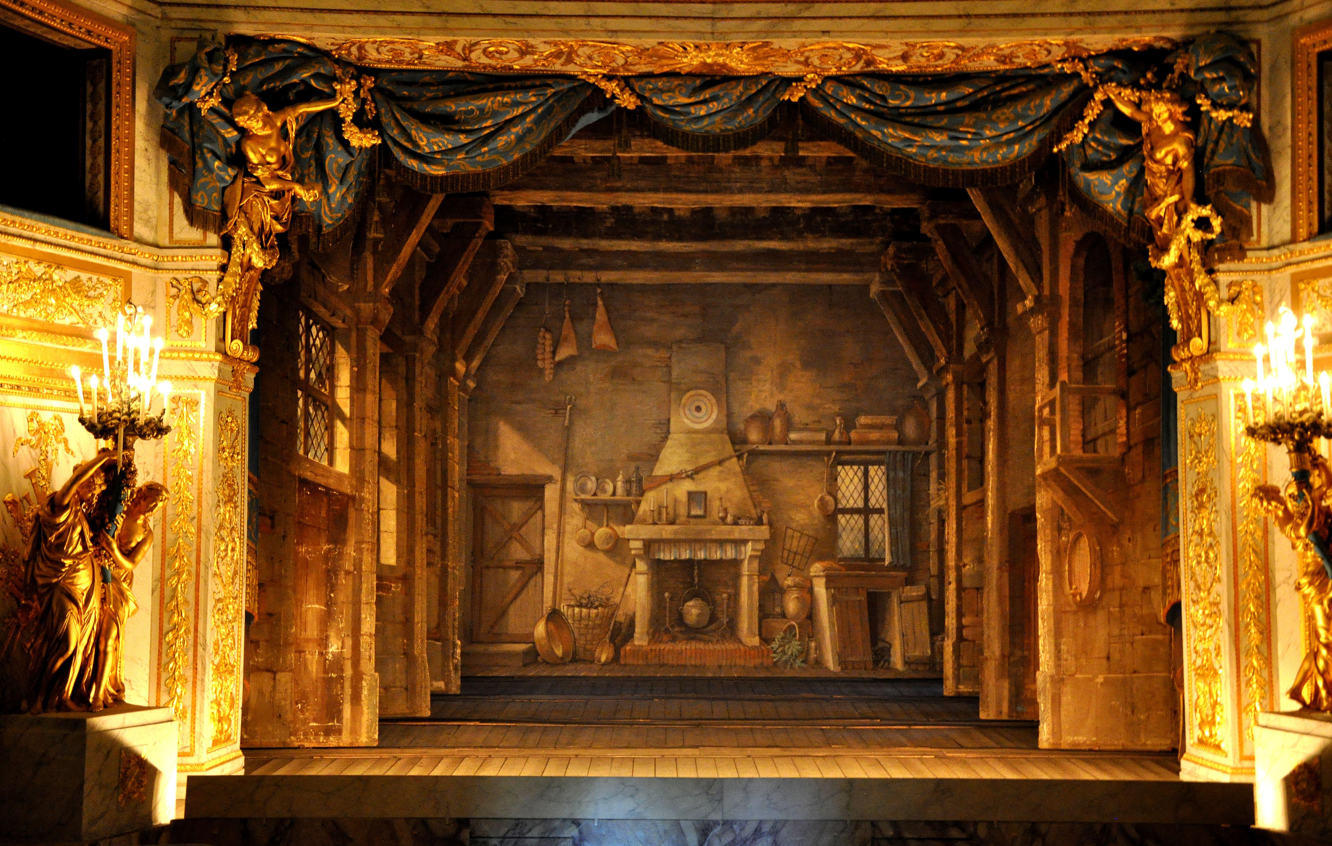 Th tre de la reine for Decor de theatre