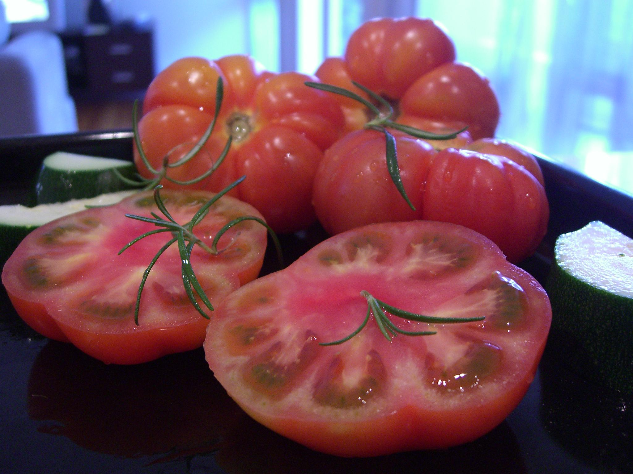 http://fr.academic.ru/pictures/frwiki/84/Tomates_Marmande.jpg