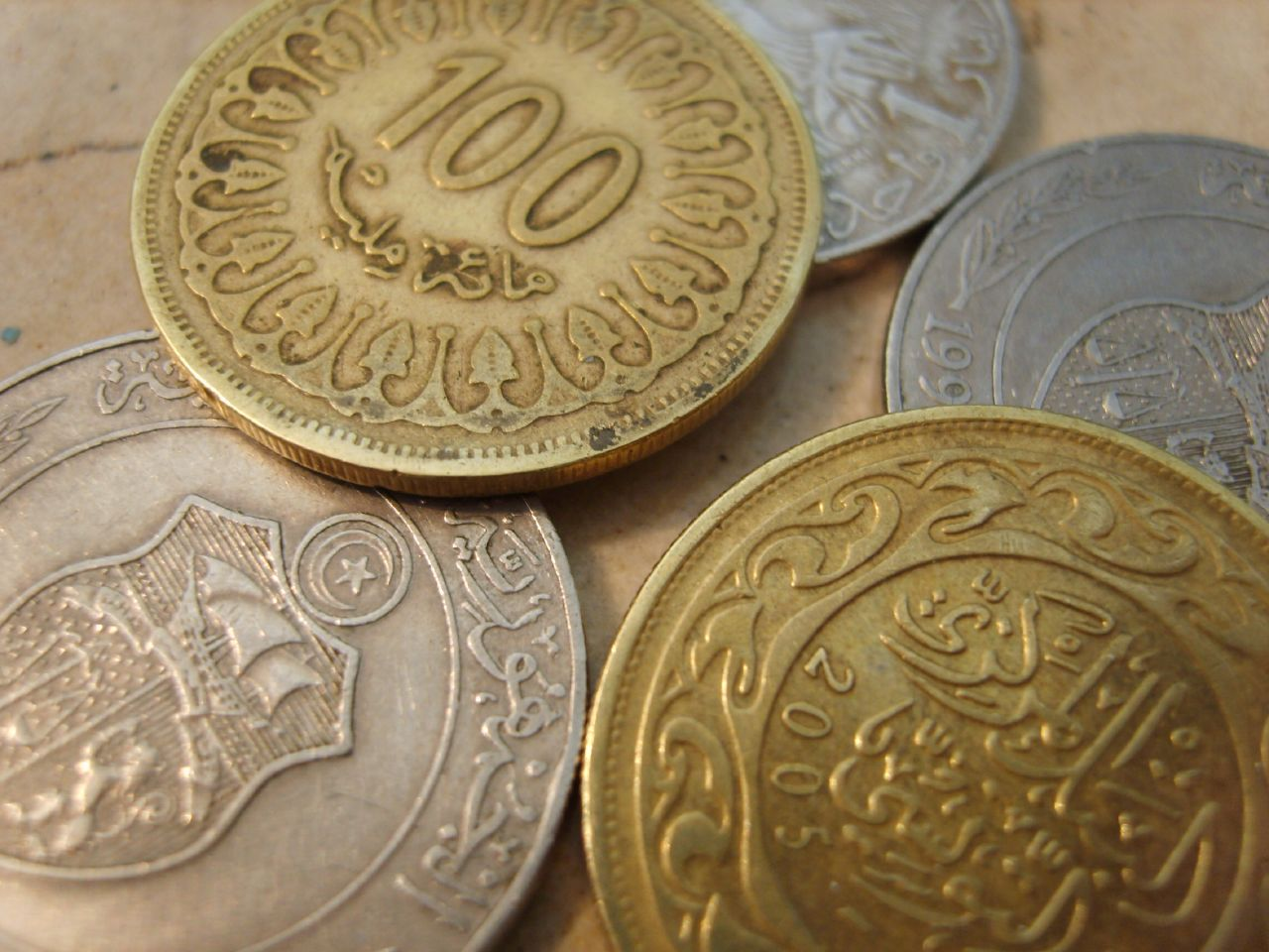 dinars in iraq revalue