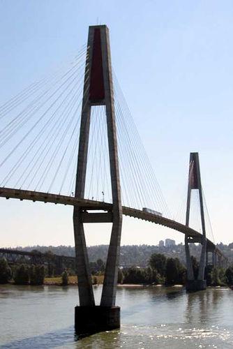 http://fr.academic.ru/pictures/frwiki/86/Vancouver_skybridge.jpg