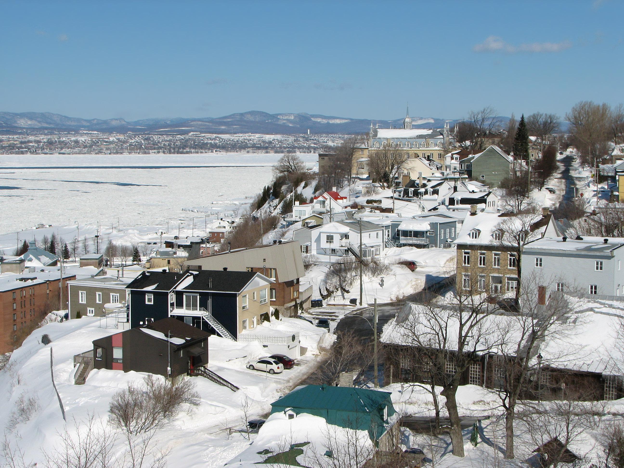 Levis (QC) Canada  city pictures gallery : Le Vieux Lévis vu de la Terrasse de Lévis