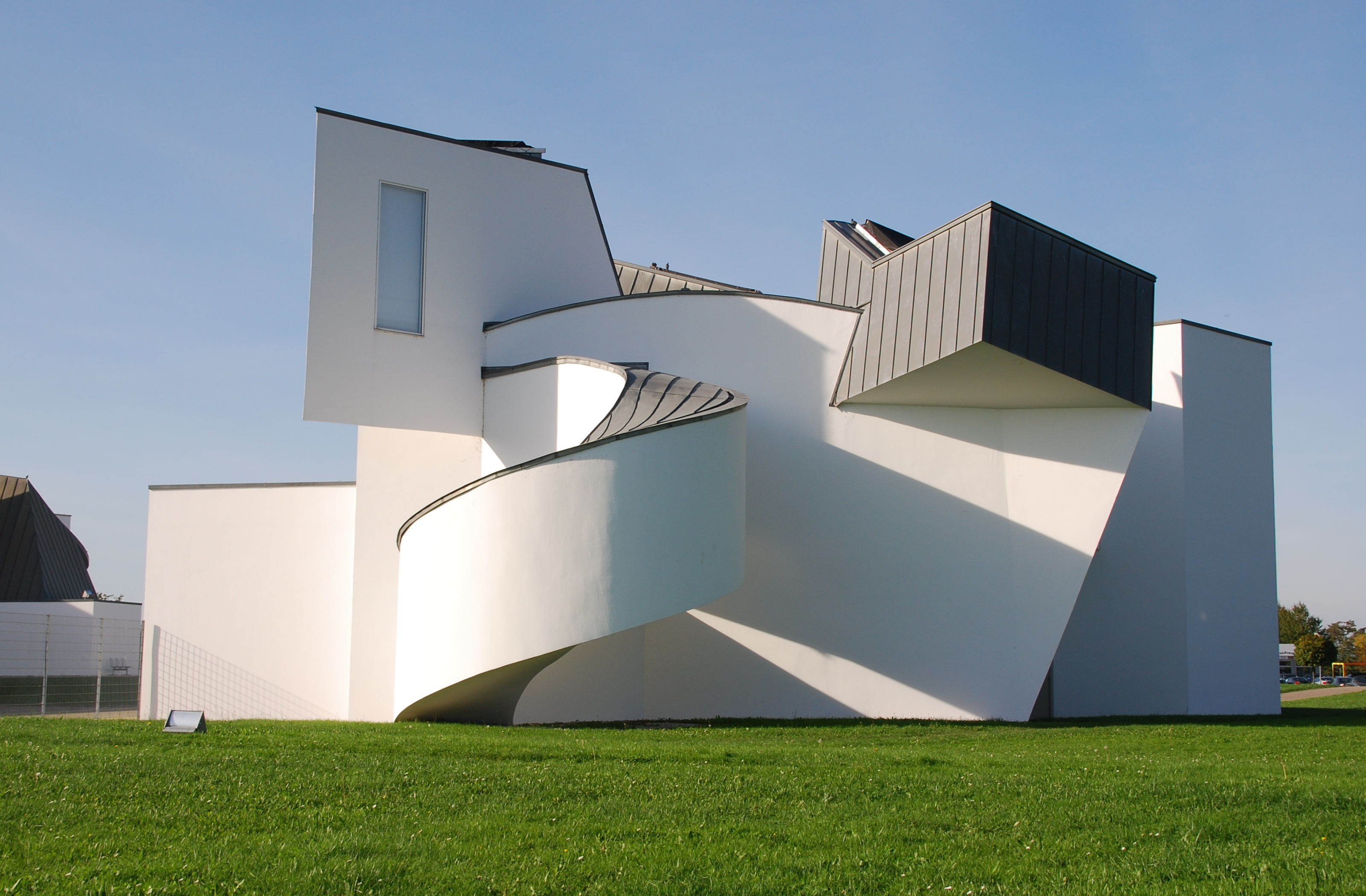 Le vitra design museum architecte frank o gehry