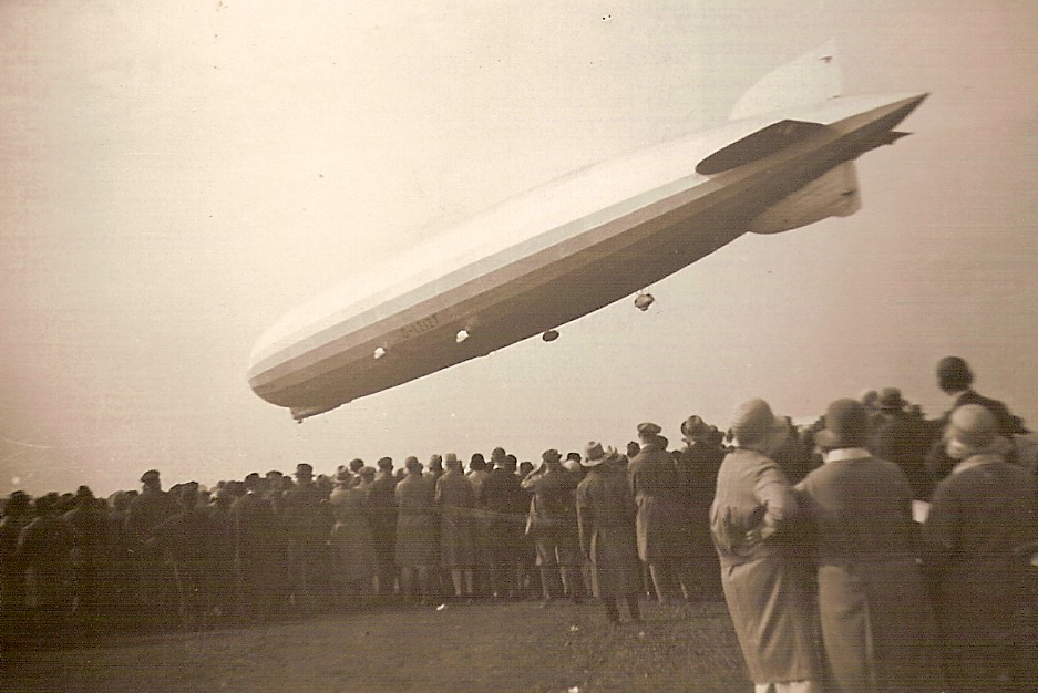 http://fr.academic.ru/pictures/frwiki/90/ZeppelinLZ127a.jpg